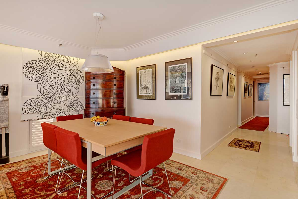 Milsons Point Apartment